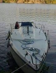 Jacht 7,7 metra motorowy pod silnik zaburtowy